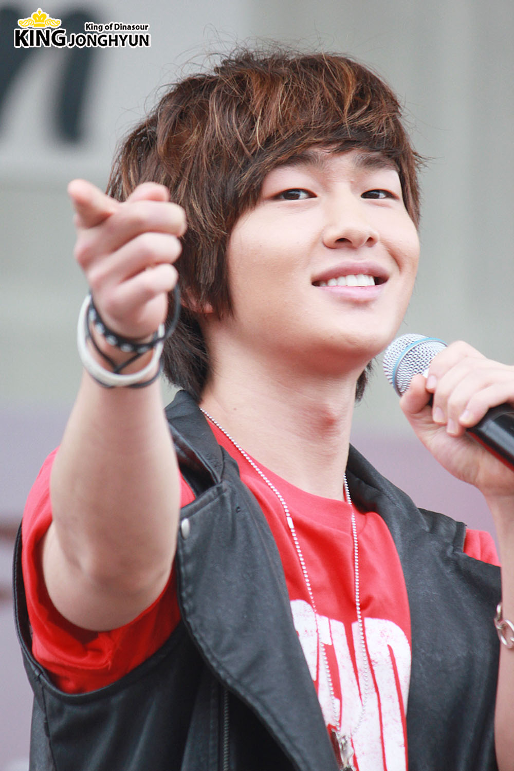 Onew: The Shining SHINee World: [Fan Photos] Onew At 100612