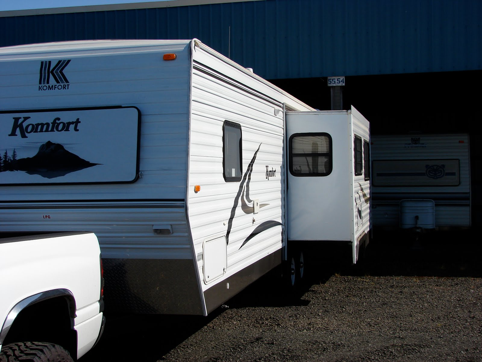 2005 Komfort Travel Trailer 282 Ts Salem Or