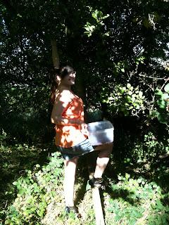Sarah-Lea foraging