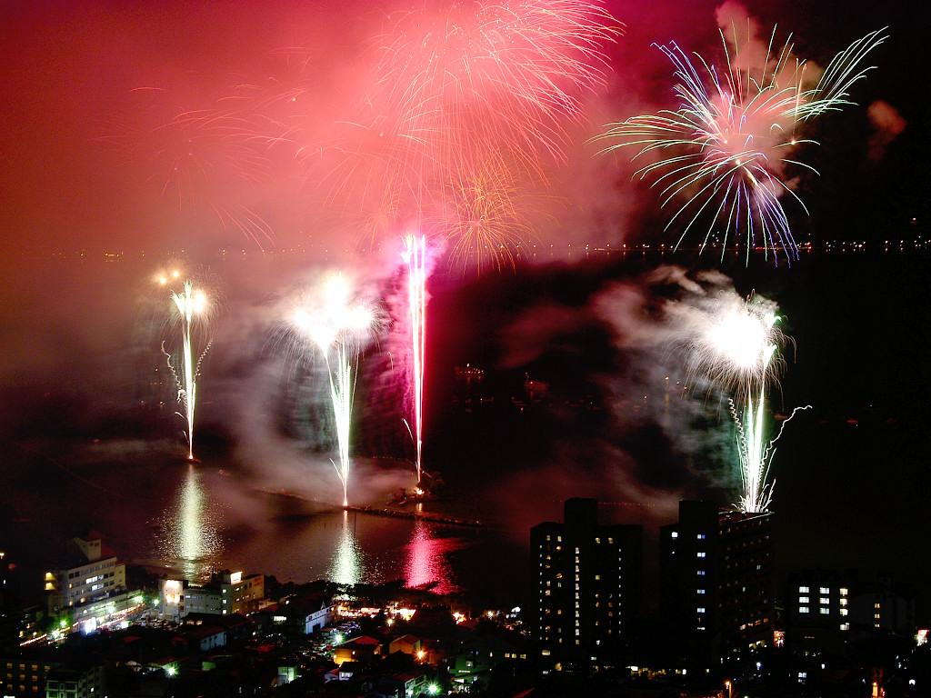 chinese fireworks wallpaper - photo #9