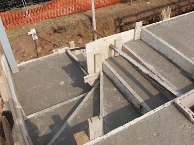 Squarciomomo house construction 6 for Scala in cemento armato a vista