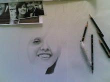 Realizo retratos a grafite.
