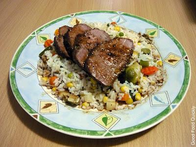 Mușchi de vițel împănat, cu garnitură de orez cu legume