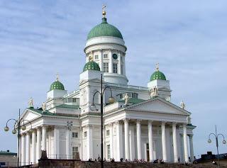 Catedral luterana em Helsinquia, Finlândia, revelando traços evidentes da arquitectura maçónica