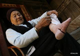 La historia de los pies de flor de loto chinos Foot