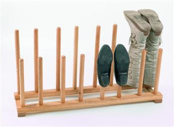 boots on rack with tall pegs