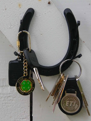key holder made from a horseshoe