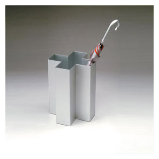 aluminim umbrella stand shaed like swiss cross
