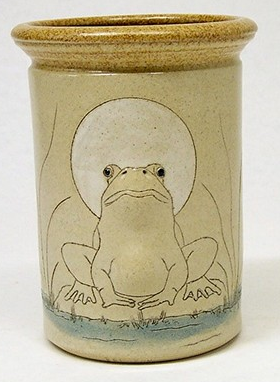 utensil holder with image of bullgrog