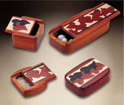 heart marquetry wood boxes