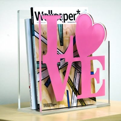 magazine holder with classic LOVE design