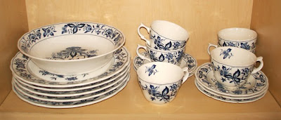dishes, fine china - Blue Onion pattern