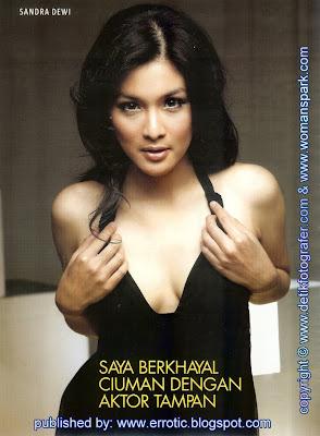 Sandra Dewi Sexy Photo on Magazine (3)