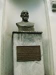 Guzmán Blanco en el nicho externo del Templo Mansónico de Caracas
