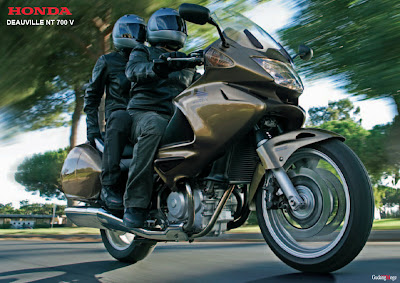 one stop motorcycle info honda deauville nt 700 v wallpaper. Black Bedroom Furniture Sets. Home Design Ideas