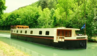 Charter the French Hotel Barge SAVOIR VIVRE with ParadiseConnections.com
