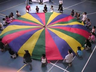 Resultado de imagen de juegos paracaidas