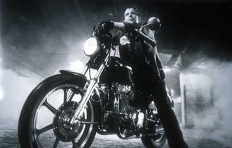 dubo s den rumble fish that central relationship between rusty james and the motorcycle boy is really the strength of the movie to be honest anytime mickey rourke is not
