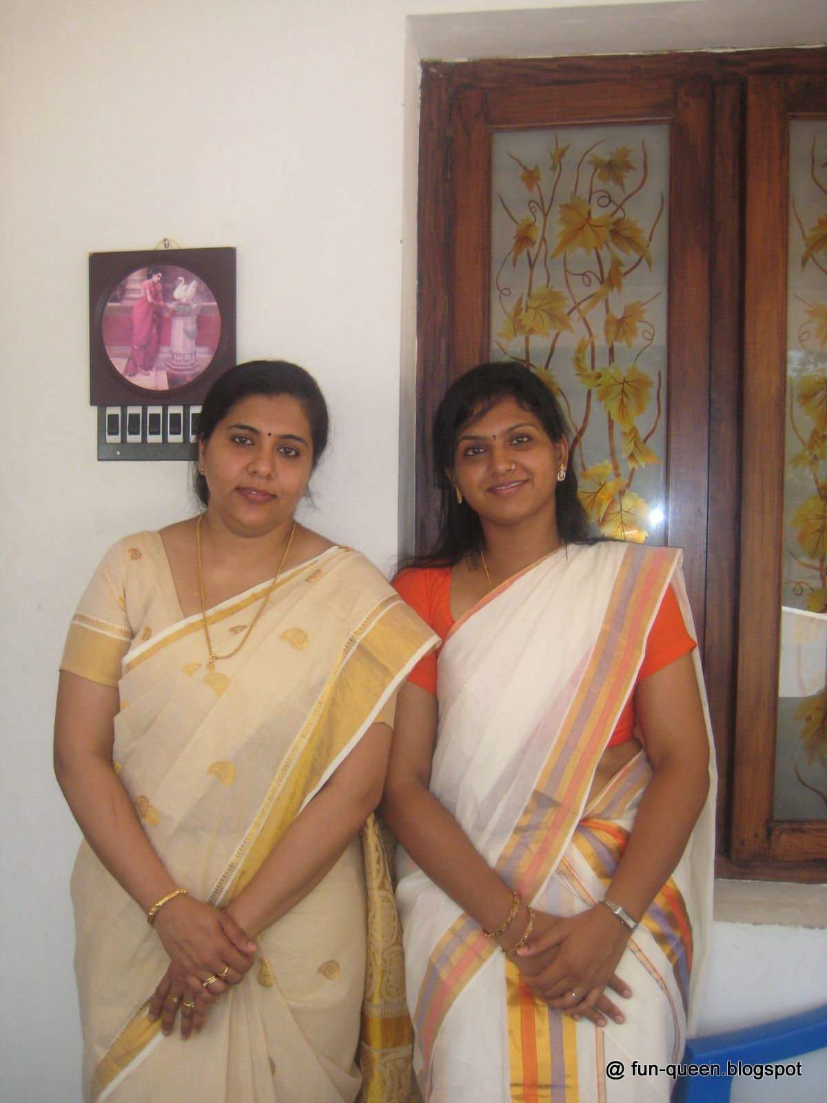 Aunties  Actress Real Life Mallu Girls Click To Enlarge-3642