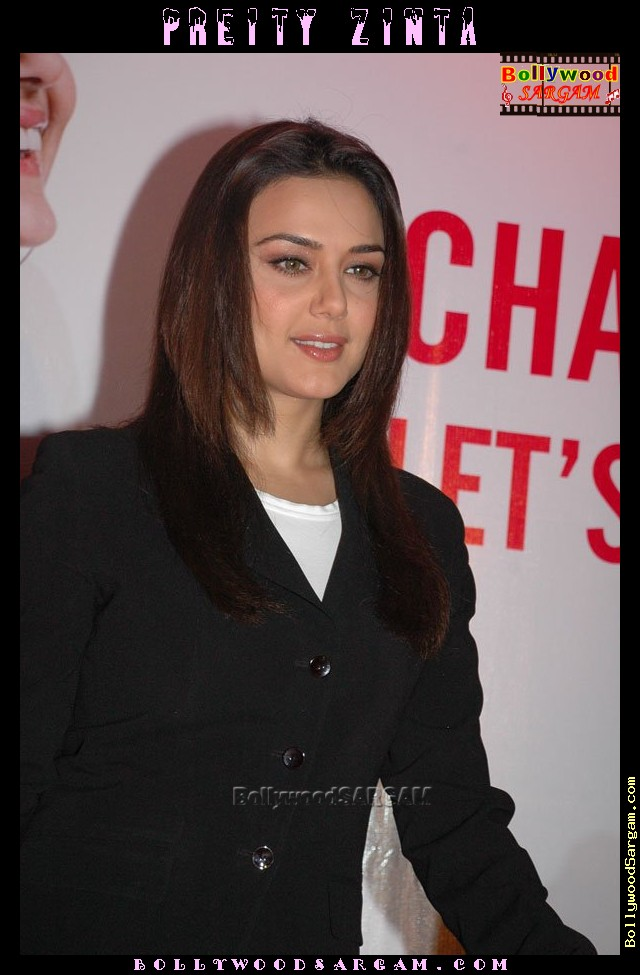 [Preity_Zinta_BollywoodSargam_talking_833584.jpg]