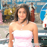 Priyamani   Cute South Babe