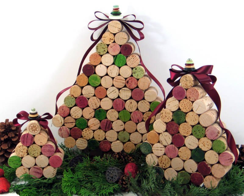 Have Yourself a Merry Little Christmas: WINE CORK CHRISTMAS TREE