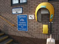 Cyclists wait here