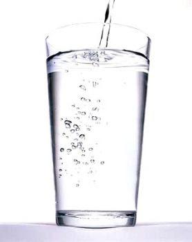 Demostrado: beber dos vasos de agua antes de comer ayuda a perder peso 0