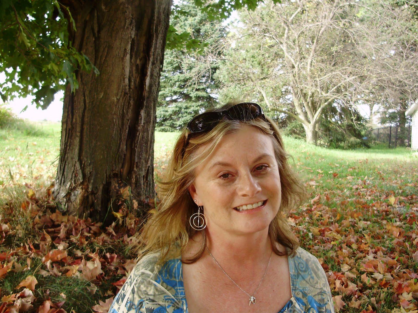 Mel's World: Godly Gals ~ Sandra King