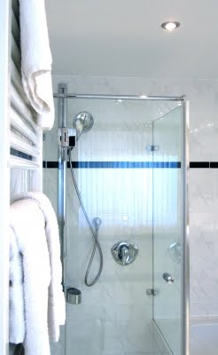 waschen und befriedigen in der dusche