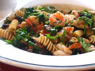 ... : Multigrain Fusili with Garlicky Shrimp, Spinach & Mushrooms