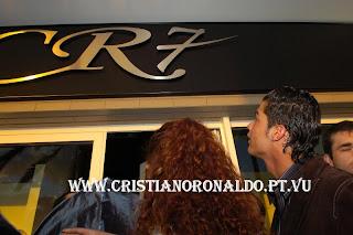 صور لمحل ك.رونالدو + صورة عائلية جداً,,
