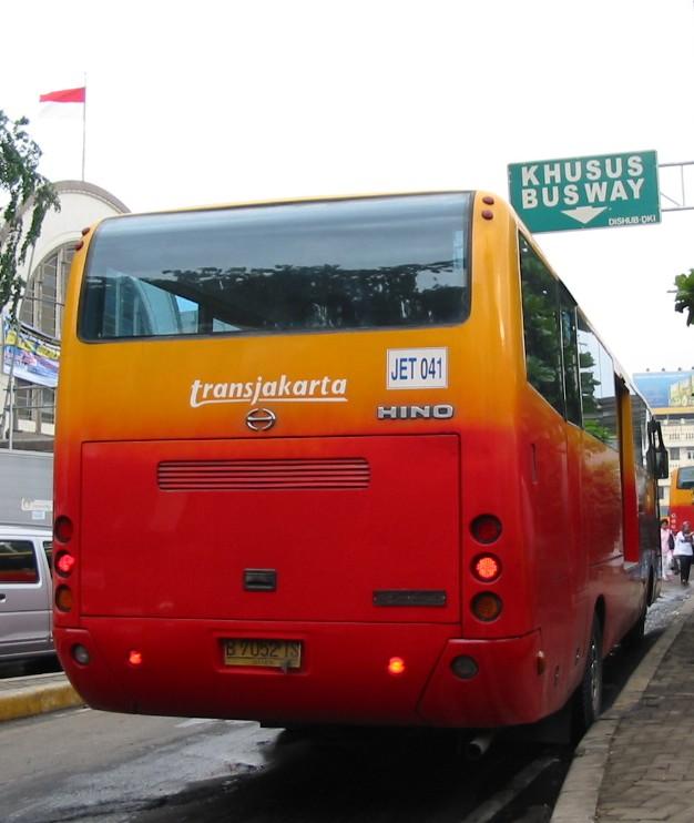 Öffentlicher Nahverkehr in Jakarta: TransJakarta