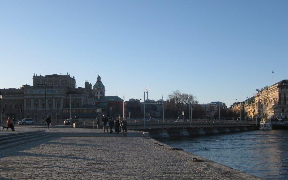 Stockholm: Blick vom Schloss aus über die Strömbron in Richtung Norden mit NK