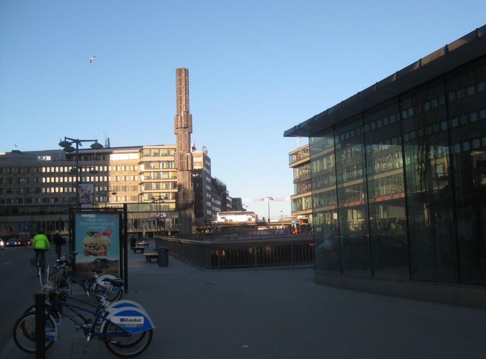 Stockholm: Sergels Torg mit Glasobelisk