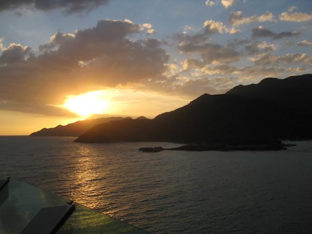 Sonnenaufgang vor Haiti, Labadee, vom Schiff aus gesehen
