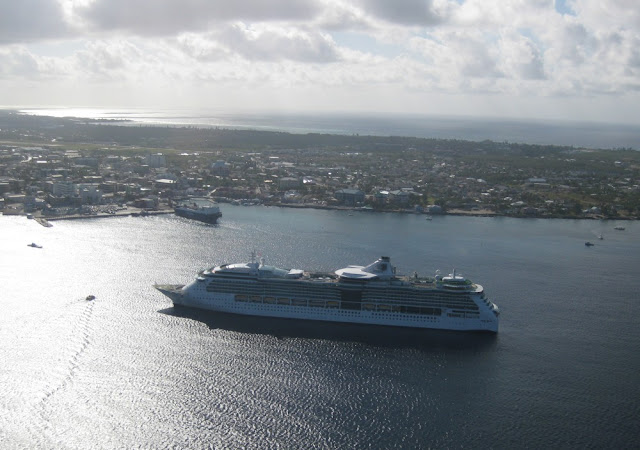Jewel of the Seas von oben - Grand Cayman
