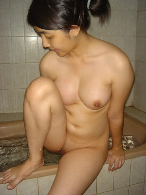 artis telanjang bugil sexy indonesia gadis smu foto bugil