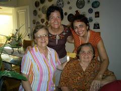 Eu, mamãe, Fátima e tia Nair em 2007