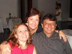 Elena perto dos amigos Marco Flávio e Araciana