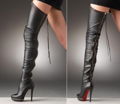 5d15a86366cc É claro que até o sapato mais simplesinho possível criado por Christian  Louboutin já é um ícone de poder feminino