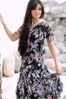 Pakistani Actress Ayesha Khan Cute Pictureshoot Gallery
