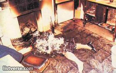 Manusia Mengeluarkan Api