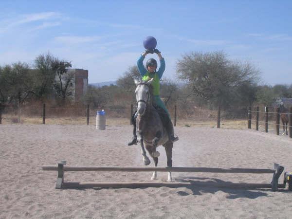 Fernanda Jumping Muneca