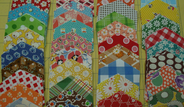 Bee In My Bonnet: Die Cutting Hexies Tutorial... : cutting fabric for quilting - Adamdwight.com