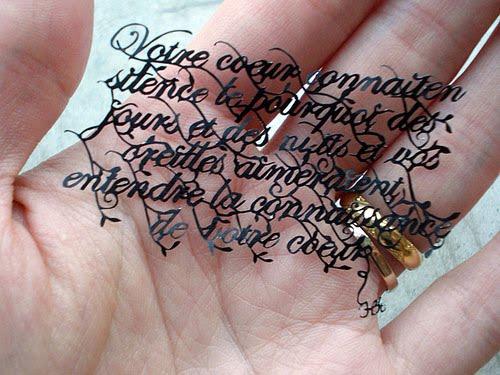Frases secretas del alma-http://1.bp.blogspot.com/_uiKQFOij9uo/TAqLFyhd21I/AAAAAAAAAXE/w5LBzcmbiII/s1600/hina-aoyamas-paper-cutting-art-design-2.jpg