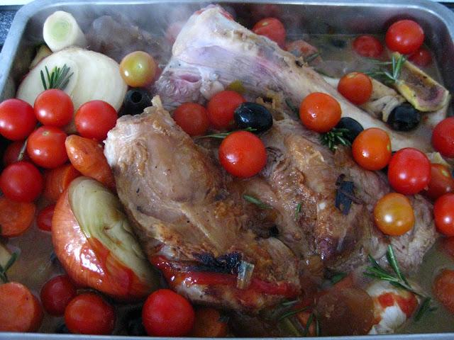 Geschmorte Kalbshaxe  | Arthurs Tochter kocht von Astrid Paul. Der Blog für Food, Wine, Travel & Love