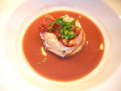verlorene Eier in Rotweinsauce (Oeuf Poché) nach einem Rezept von Wolfram Siebeck | Arthurs Tochter kocht. von Astrid Paul. Der Blog für food, wine, travel & love