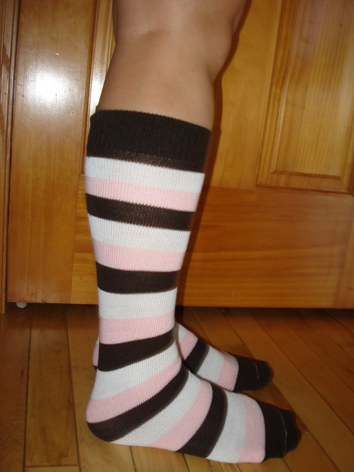 292f4cdf89ebc There are so many of you out there that match knee high socks with your  running outfits ... and we all love it and talk about it. Learn about the  history of ...