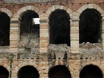 Architettura romana for Archi arredo roma